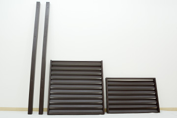 材料はこちら。 1500mm のパネルと柱(ストレート1本、コーナー1本)です。