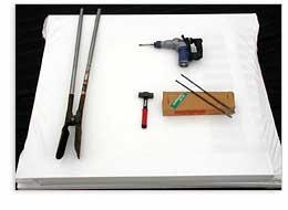 地面に柱立てに必要な道具